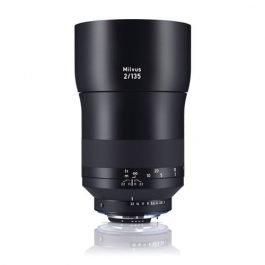 zeiss-loxia-135-2-nikon-1